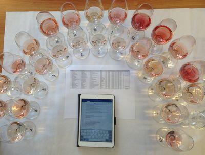 En pleine dégustation de vins rosés